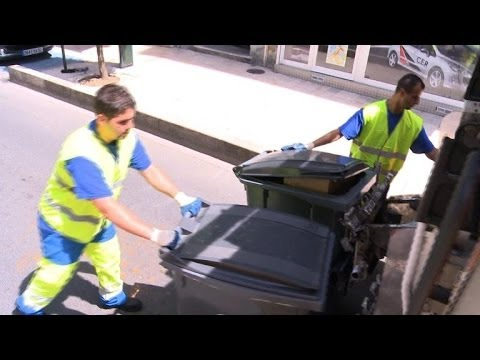 Rubbish collector, a job with a sparkling future