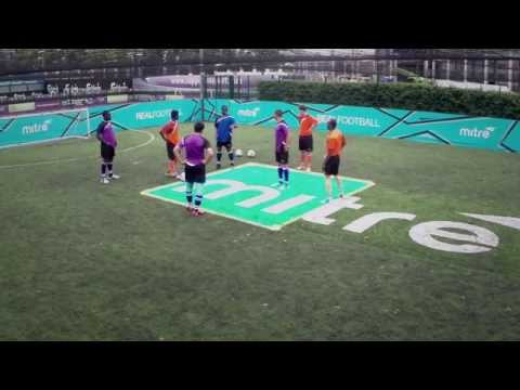 How to keep possession in tight spaces | Soccer passing drill | 5-a-side