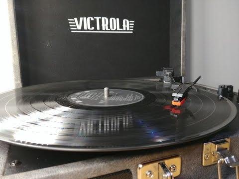Victrola Vintage 3-Speed Bluetooth Suitcase Turntable Speakers, Gray (REVIEW)