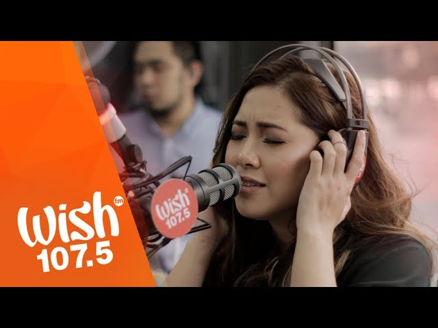 """Moira Dela Torre sings """"Malaya"""" LIVE on Wish 107.5 Bus"""