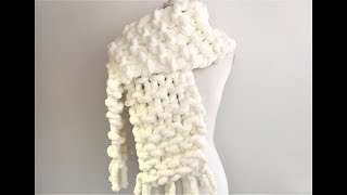 HOW TO HAND KNIT A CHUNKY CHENILLE SCARF WITH FRINGES