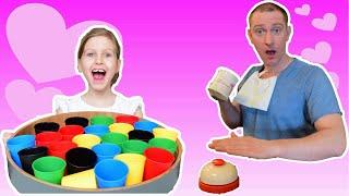 Ульяна и папа играют в ресторан! Видео для детей от Ulyana's Empire