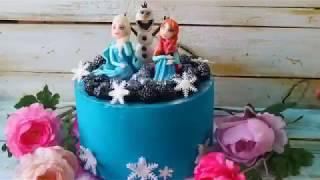 Аветорт - торт Холодное сердце велюровый с ягодами