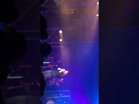 "Billy Currington - "" Do I Make You Wanna(Live)"" December 2017"