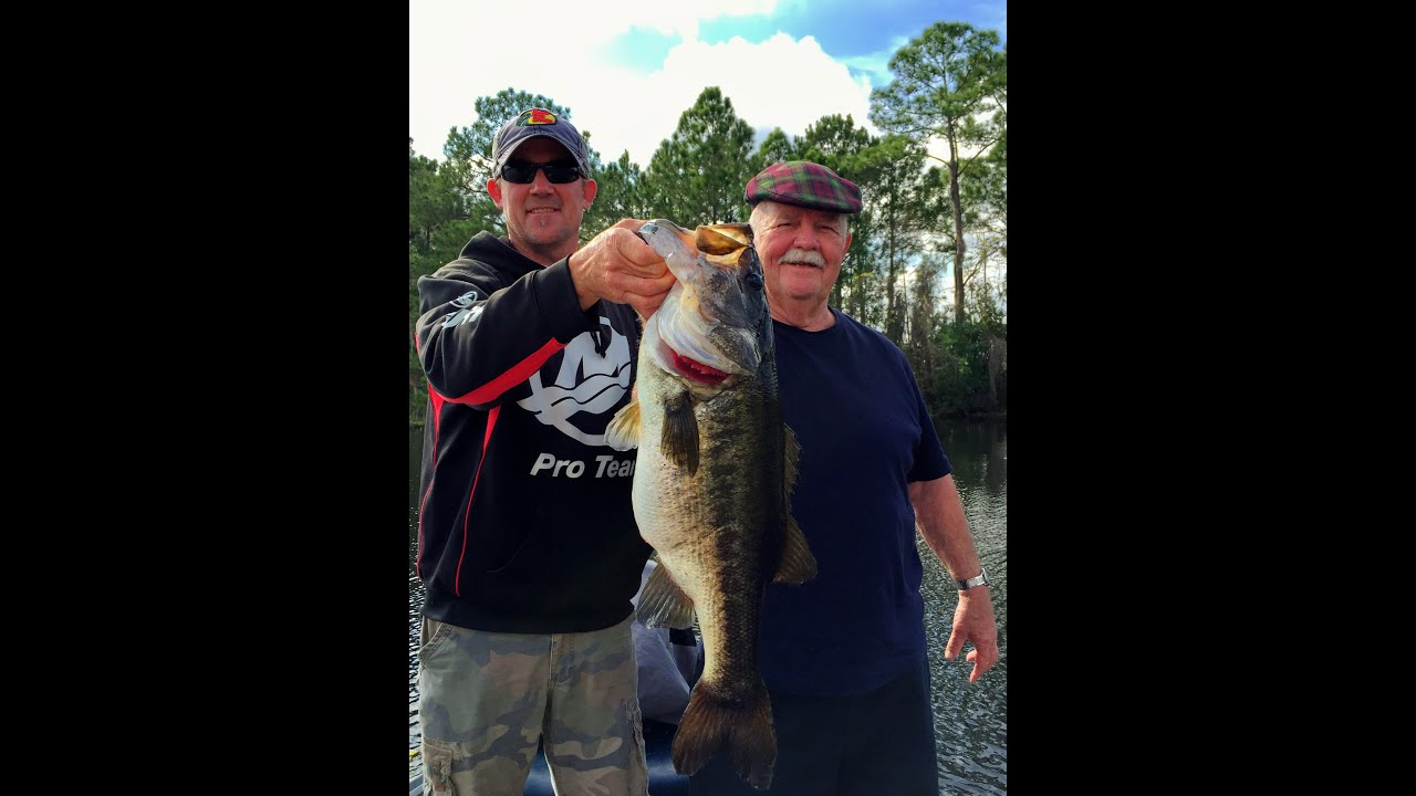 Orlando MONSTER BASS caught and released!! January Florida Fishing!