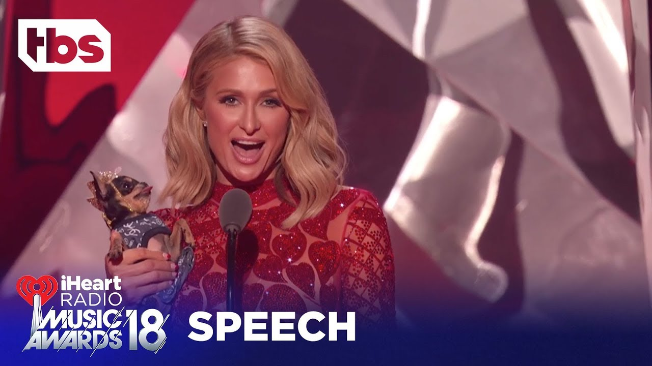 Download Paris Hilton Introduces Ariana Grande's Pet Dog, Toulouse: 2018 iHeartRadio Music Awards   TBS