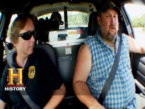 Only In America with Larry the Cable Guy - Low Speed Chase | History