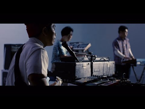 "Yasei Collective ""radiotooth"" (Official Music Video)"