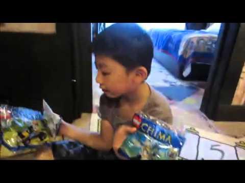Legoland Malaysia - opening treasure chest