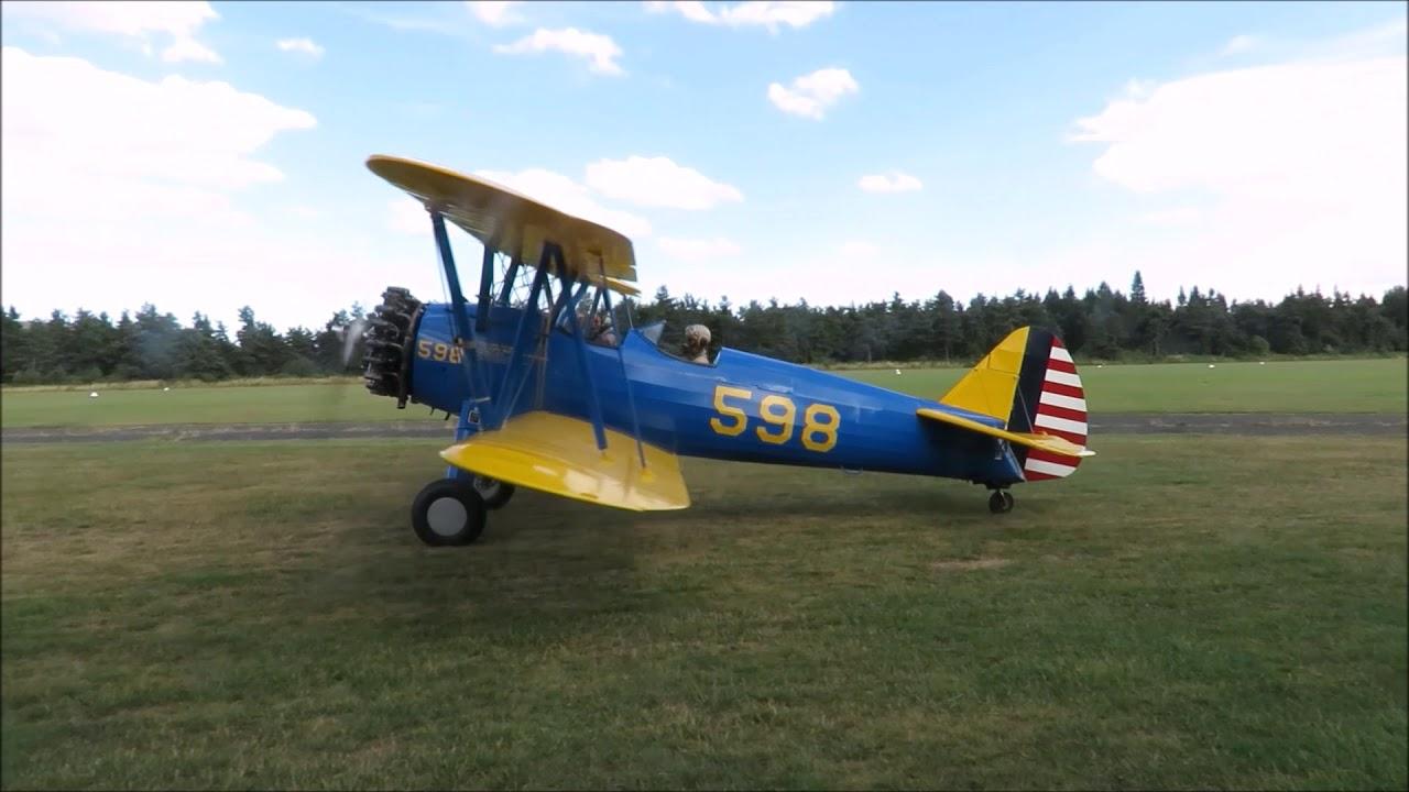 Avion ancien : le stearman atterrit à Lesperon (Ardèche) - YouTube