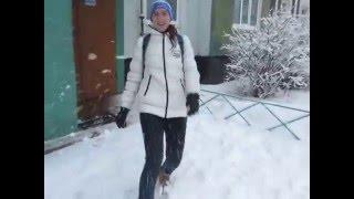 В снежки играют не только дети, но и вполне взрослые люди:D