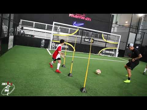YOUNG BALLERS|Group Training at Ultra Football |Loads of Training Ideas With Limited Space Joner1on1