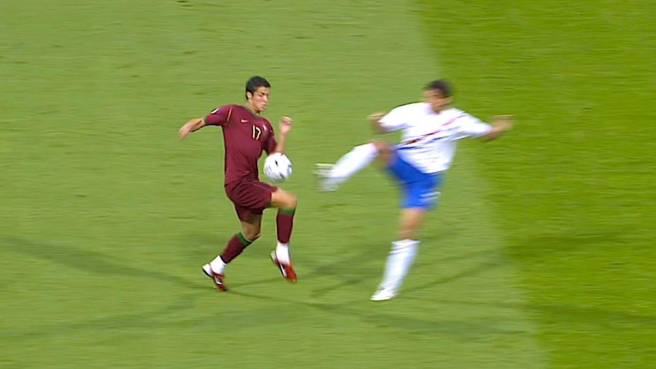 Download La partita più aggressiva di sempre: 16 gialli e 4 rossi | Mondiali 2006