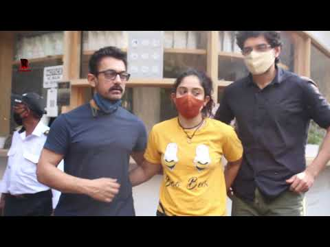 Download Aamir Khan With His Daughter Ira & Son Junaid Arrives At Cafe In Bandra 2021