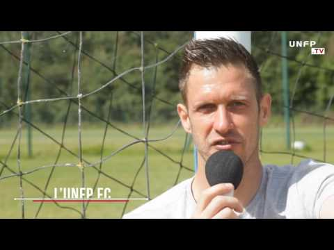 Portrait de Landry Bonnefoi, gardien de but, au club UNFP 2016