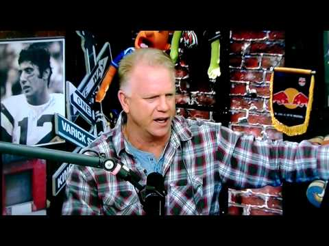BobsBlitz.com ~ Frank Gifford told Boomer Esiason to watch his back when he joined MNF