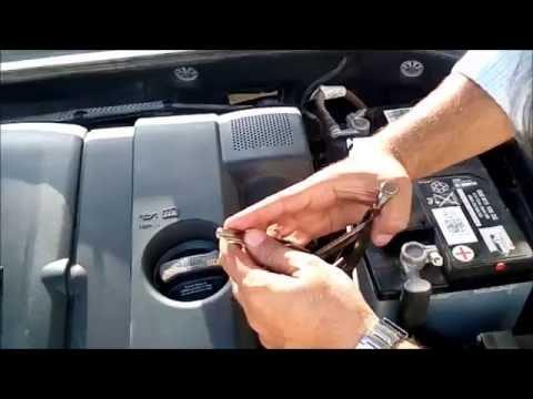 2014 Volkswagen Passat B7 2.5L Air Filter Replacement
