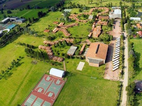 Recorrido por las instalaciones del Colegio Gimnasio del Norte - Bogotá D.C. Colombia