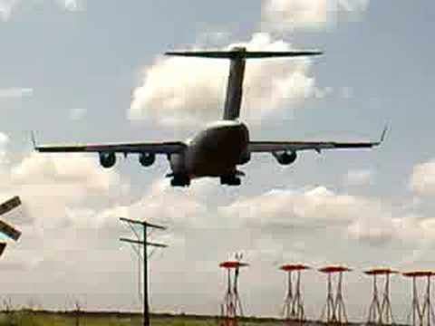 Aussie C5 Globemaster landing @ Edinburgh S.A.