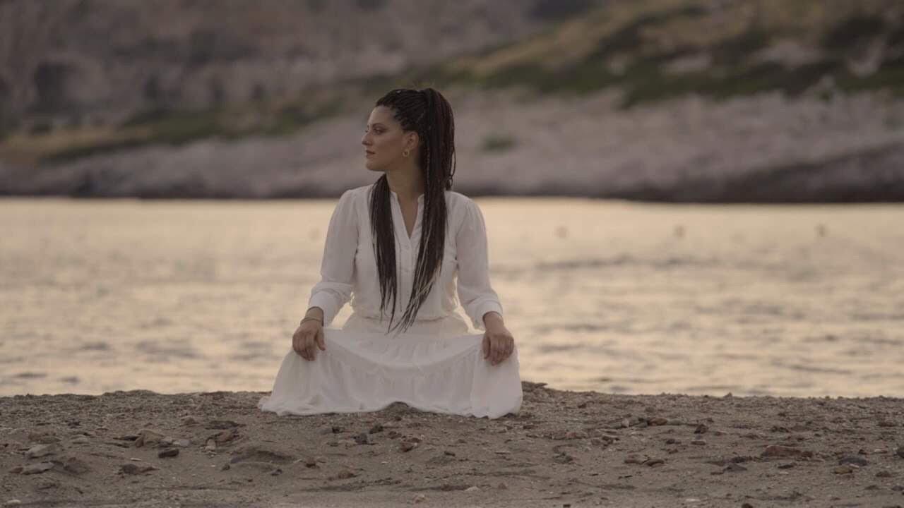 Αγάπη Διαγγελάκη – Όσο Κρατάει Ένα Φιλί – Official Music Video
