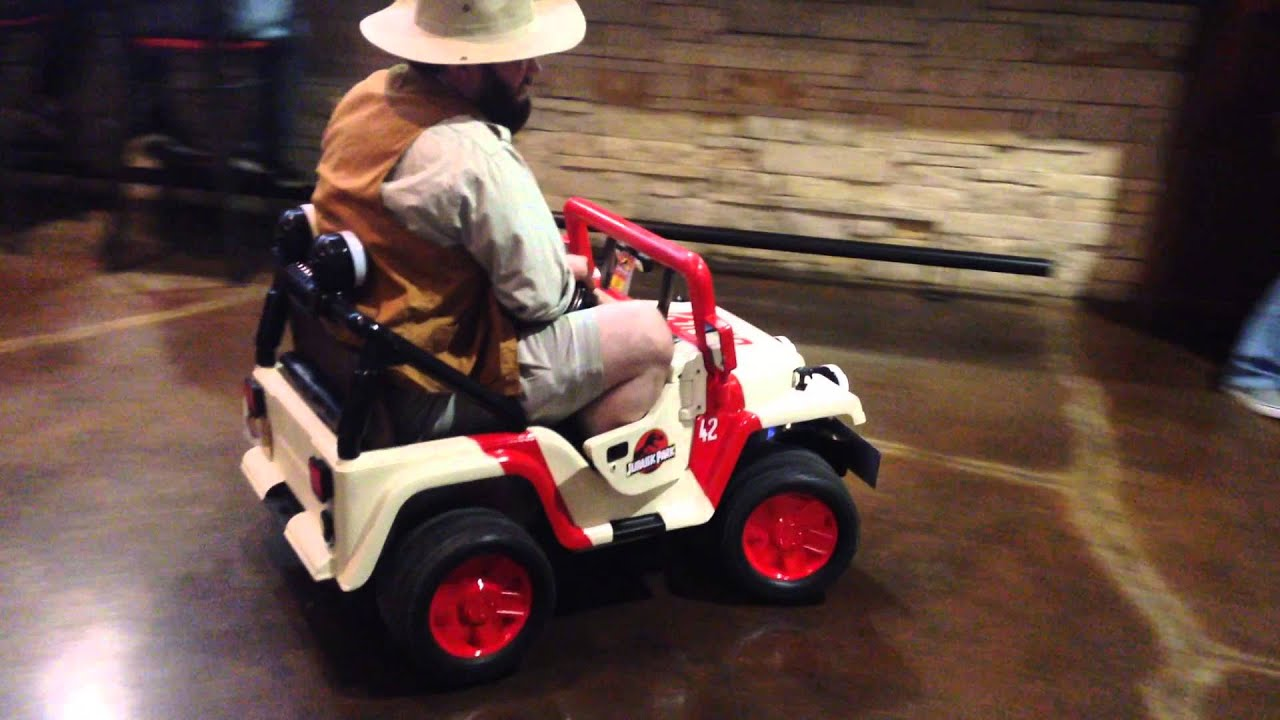 Jurassic World Premiere in my Jurassic Park Power Wheels! Www.facebook.com/SpaceBearProps - YouTube