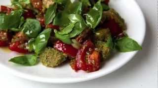 видео Хлебный салат с помидорами «Панцанелла»