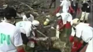 bencana tsunami mentawai dan gunung merapi mbah marijan meletus.flv