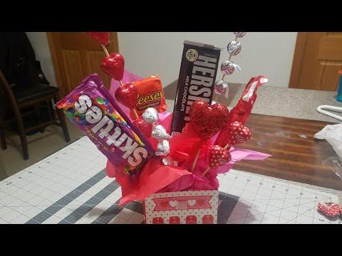 #diyvalentinesbouquet #dollartree  Diy Valentine's Candy Bouquet / gift basket / Dollar  Tree