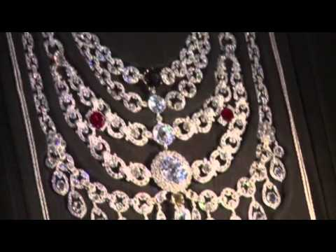 Stunning Cartier Jewels on Display in Paris