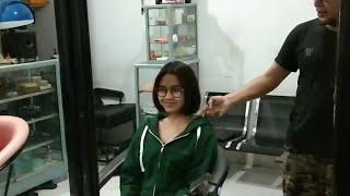 Download Video Potong rambut pendek muda cantik MP3 3GP MP4