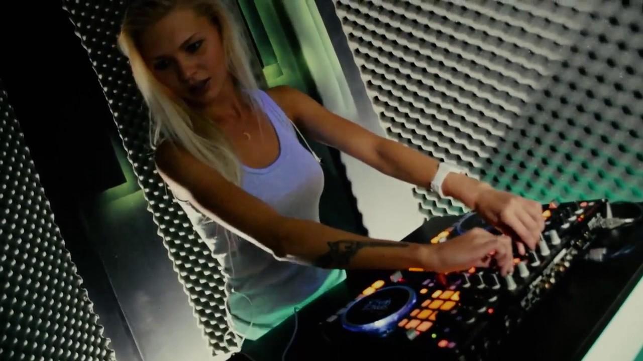 Topless DJ Aurika in Girls on Vimeo