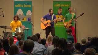 """Will's Jams performs """"Trikers"""" live"""