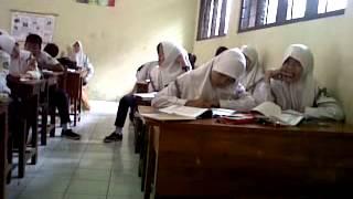 Kegilaan kelas 8A nge-RAP di pelajaran IPA 2017 Video
