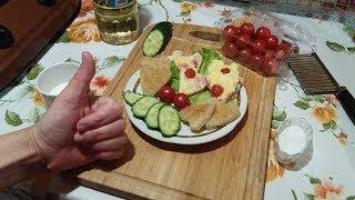 Омлет с колбасой и помидорами видео рецепт