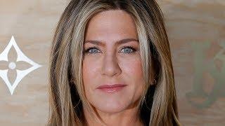 "Jennifer Aniston addressed Rachel's nipples on ""Friends"""