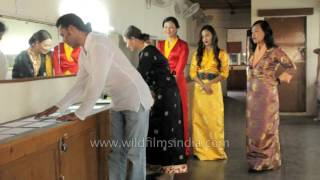 Repeat youtube video Miss Tibet 2016 -Selecting the topics for talk round
