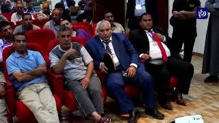 القرعة تحسم نتيجة فوز أحد المرشحين في انتخابات البلدية بعد تعادل الأصوات في الطفيلة - (16-8-2017)