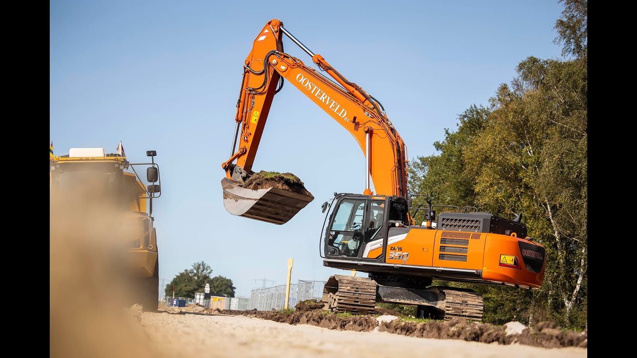 Dutch contractor takes delivery of first two Zaxis-7 medium excavators