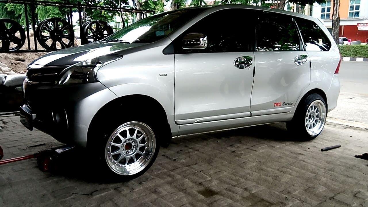 Modifikasi Toyota Avanza Memakai Velg Hartge Hellaflush YouTube
