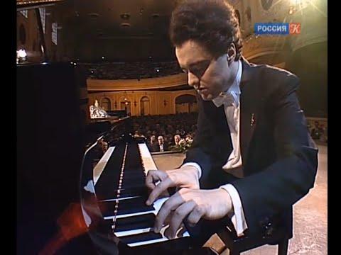 Evgeny Kissin plays Prokofiev Romeo & Juliet & Piano Sonata no. 8 - video 2009