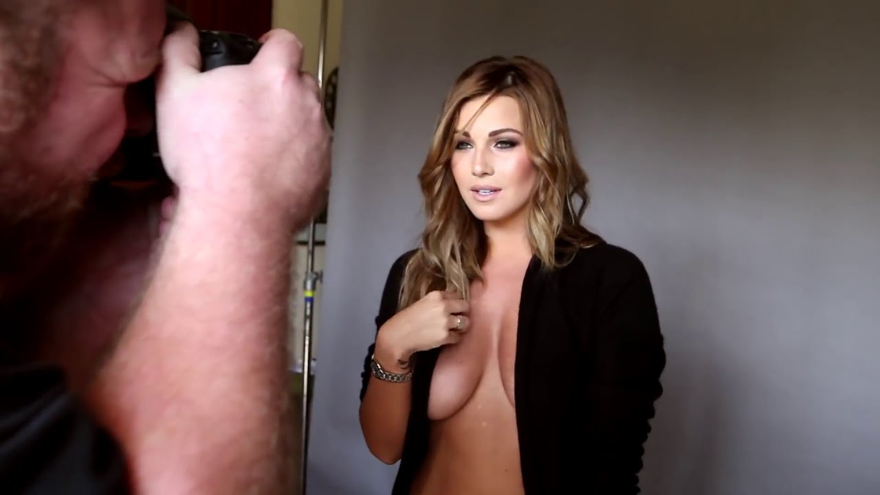 Download Summer topless photo shoot