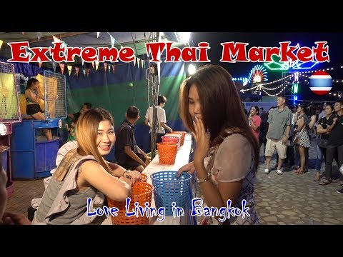 The Biggest & Best Thai Street Food Market close Bangkok