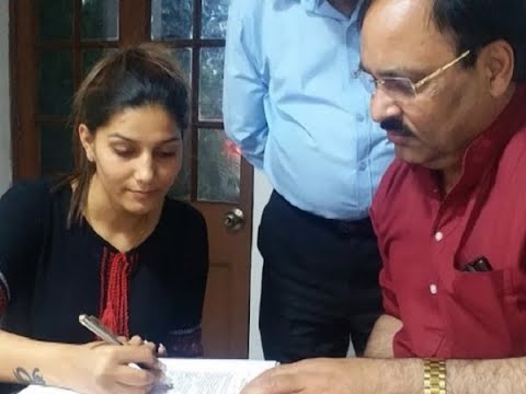 Sapna Choudhary joins Congress, likely to contest from Mathura