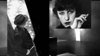 Mack the Knife Sung by Lotte Lenya