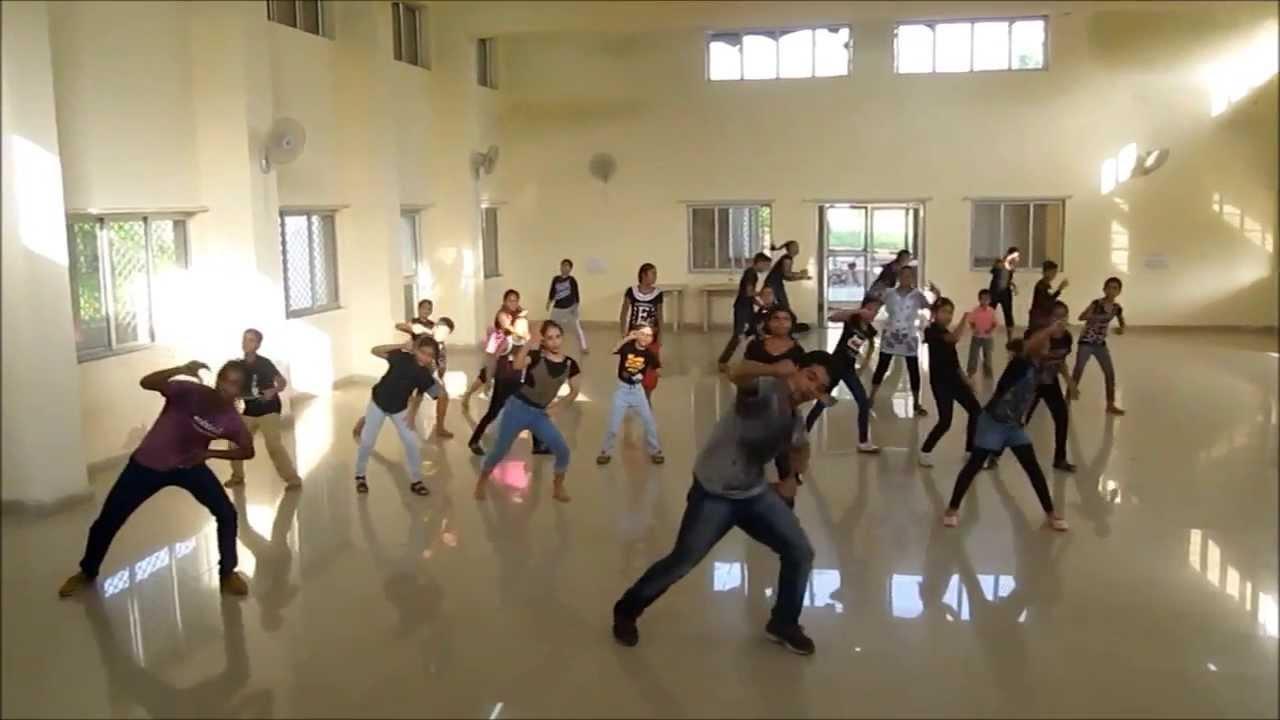 Hr 39 s dance school 1234 get on the dance floor desi for 1 234 get on the dance floor