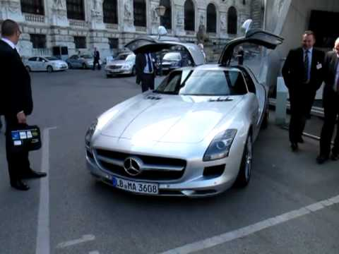 Mercedes AMG SLS V8 6.2l Gullwing [Travel with Manfred]