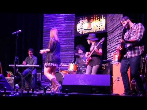 """Morgan Frazier performs """"Very Superstitious"""" at Odawa Casino"""