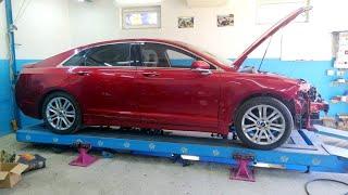 Lincoln MKZ. Лобовой. Повреждения.