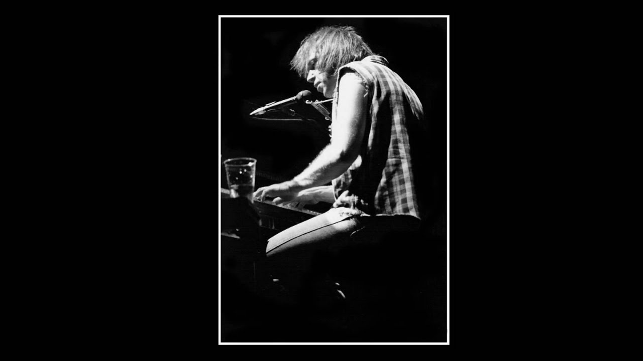 Neil Young - Cortez The Killer - YouTube
