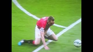 LOL Phil Jones hilarious escape crawl